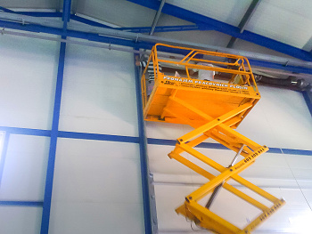 Průmyslová vrata či vjezdové brány vlastní výroby nebo od renomovaného výrobce garážových vrat reference